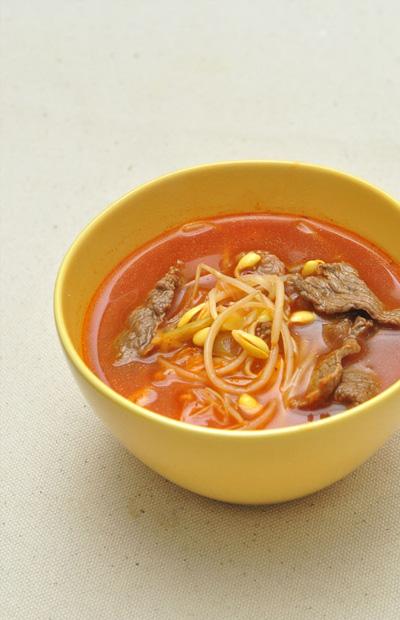 うま辛いキムチと豆もやしスープ